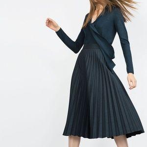 Zara Woman Pleated Mid-Length Skirt S